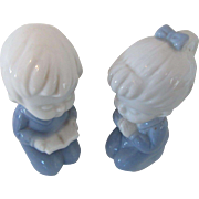 Porcelain Lego Figurines Praying Children Retro Japan