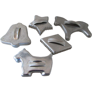 Five Vintage Cookie Cutters 1950s : Bell, Star, Dog, Horse and Diamond