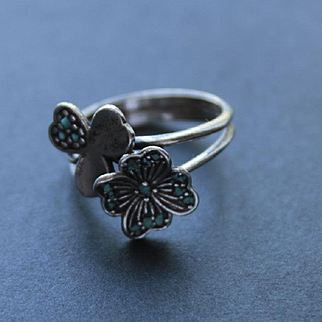 Ring Sterling Silver Turquoise chip Ring