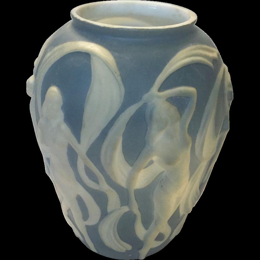 Phoenix glass art deco blue vase white dancing nudes women for Deco pour vase transparent