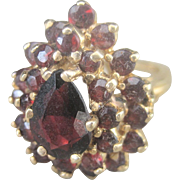 Vintage  2.5 ct Garnet Tiered 14 kt Gold Cocktail Ring