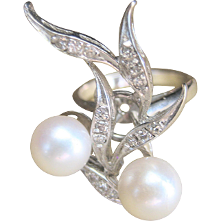 Vintage Art Deco 14kt  Cultured Pearl Diamond Cocktail Ring