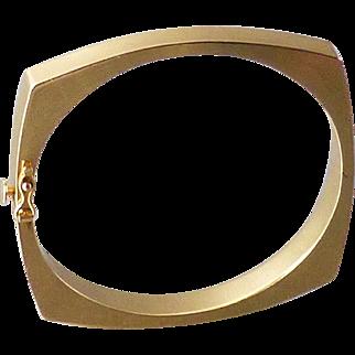 Modernist 14k Yellow Gold Hinged Squared Oval Bangle Bracelet