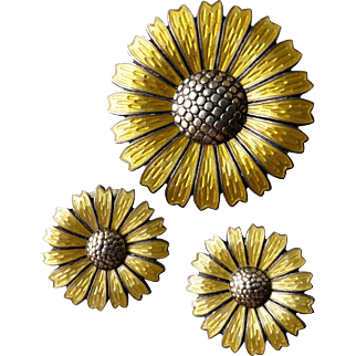 Vintage Sterling Gilt Silver and Yellow Enamel Daisy Flower Pin and Clip Earrings