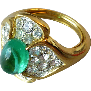Vintage Signed Trifari Cabochon Faux Emerald Glass Rhinestones Ring Jewels of India