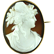 Antique Finely Carved Cameo Brooch