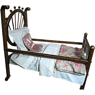 Wonderful Vintage Wood Spindle Doll Bed  Brass Trim Complete With Bedding