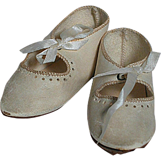 Antique French Bebe Doll Shoe  White Leather size 11 Marked with Boot & Depose