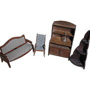 Vintange Wood Dollhouse Furniture 5 Pieces plus felt Carpet or rug