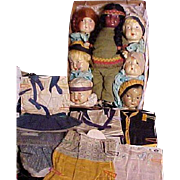 Composition Famlee Doll Set With Seven Heads And Costumes