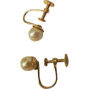 Vintage 14k gold pearl screw back womens  earrings