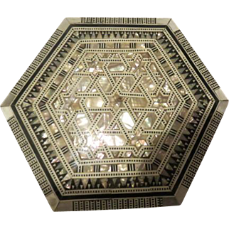 Vintage Mother of pearl inlay Wooden box