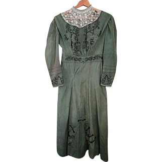 Antique Victorian green beaded dress w/ matching purse