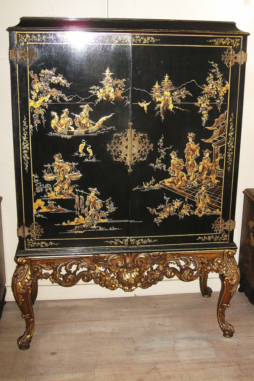 Superb Elegant Chinese Black Lacquer And Gilt Cabinet