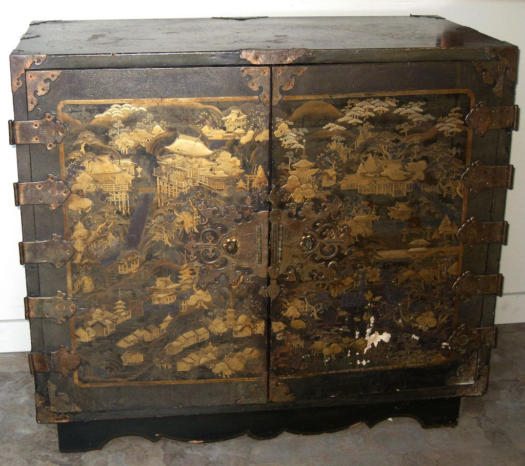 Exquisite Antique Japanese Lacquer Chest. Exquisite Antique Japanese Lacquer Chest from dynastycollections