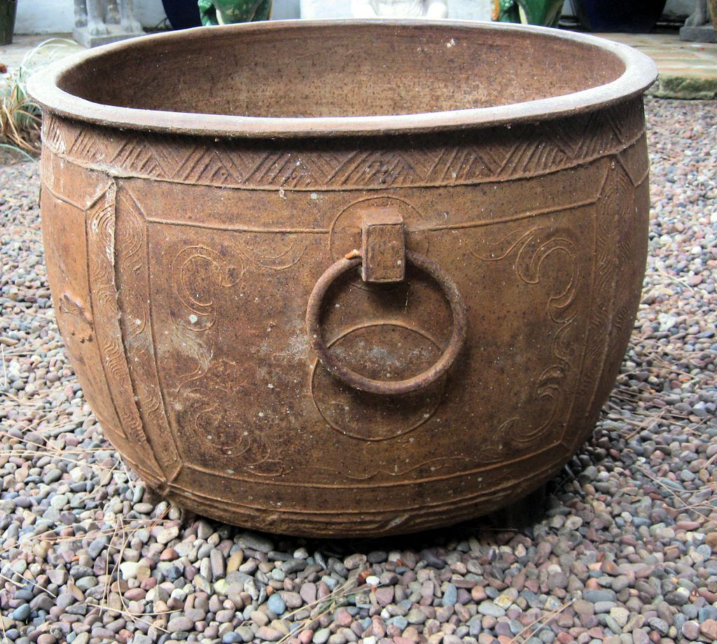 Chinese ming large cast iron pot with ring handles from