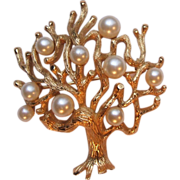 Vintage Crown Trifari Gold Tone Tree of Life Pin Brooch Faux Pearls