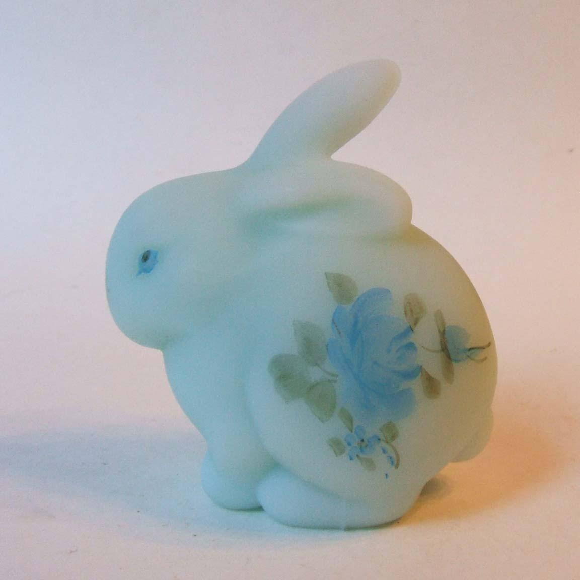 Fenton 5162 Bl Blue Roses On Blue Satin Glass Spring Bunny