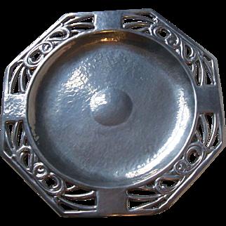 Vintage Manning Bowman 1528 Bright Lustralite Hammered Aluminum Sandwich Tray 12 Inch Octagonal Pierced Rim