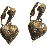 Vintage Weiss Florentine Gold Tone Heart Clip On Earrings Iridescent Rhinestones Stars