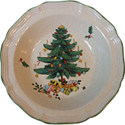 Vintage Mikasa Festive Season 9 Inch Round Vegetable Serving Bowl EB451 Christmas Pattern