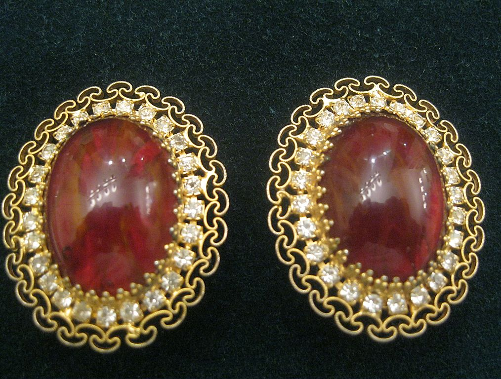Vintage ALICE CAVINESS Cabochon Rhinestones Clip Earrings