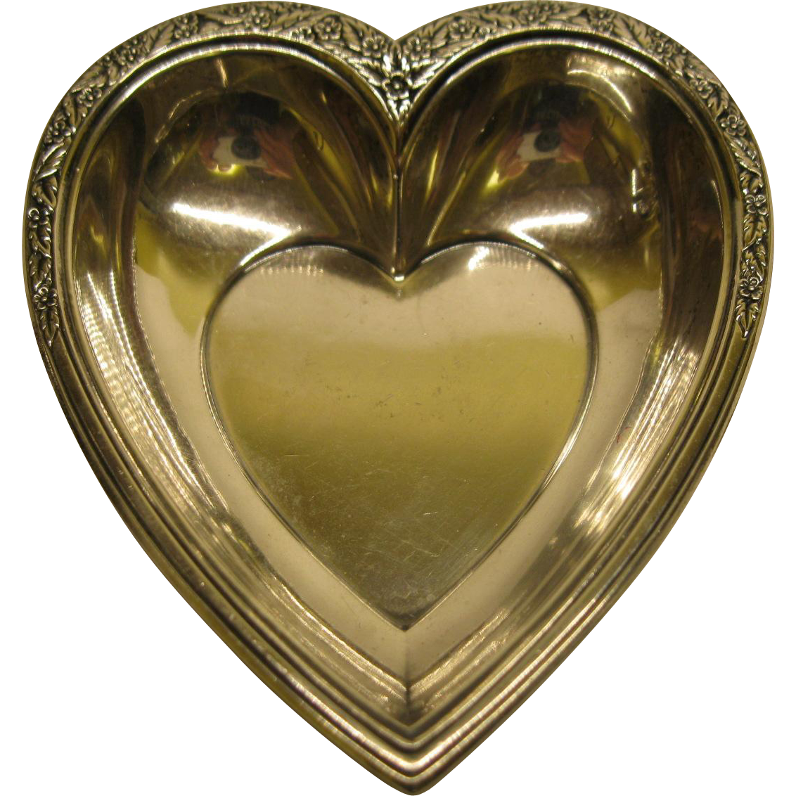 Signed international sterling silver heart shaped dish for Heart shaped jewelry dish