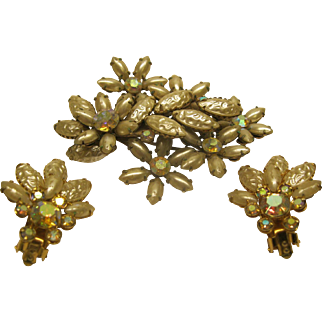 Vintage Signed Beau Jewels Large Faux Pearl Rhinestone Broach Pin Clip Earrings Set