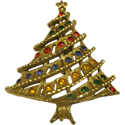Vintage Unsigned Tiered Jeweled Christmas Tree Pin Broach