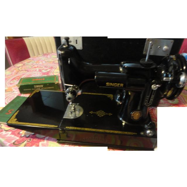 singer sewing machine model 221 1