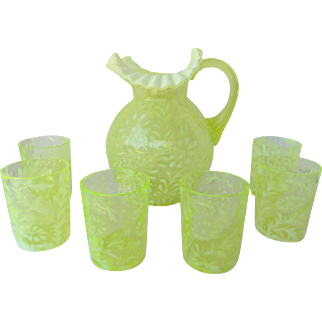 Vintage Fenton Uranium Glass Daisy and Fern Pitcher and 6 Glasses