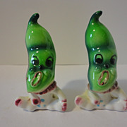 Anthropomorphic Pea Pod People Salt & Pepper Shakers