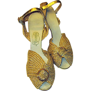Magnificent Pair of Art Deco Strappy Gold Crocheted Sandals/Pumps