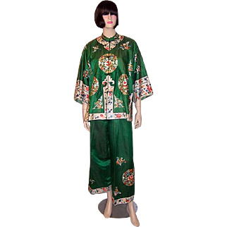 Chic Chinese Embroidered Jacket and Pants Ensemble in Vibrant Green Silk