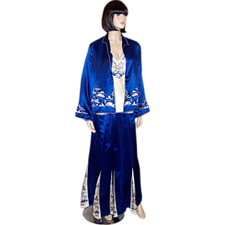 Art Deco Chinese Embroidered Ensemble in Cobalt Blue & White