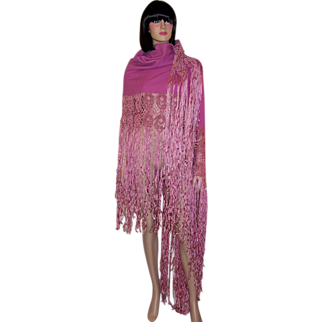1960's Orchid Woolen Shawl with Silk Macrame Work and Fringe