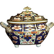Early 19th century English Royal Crown Derby Imari Cowered sugar bowl dish