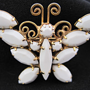 HOBE White Butterfly Pin