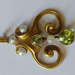 14k Art Nouveau Peridot and Pearl Pendant