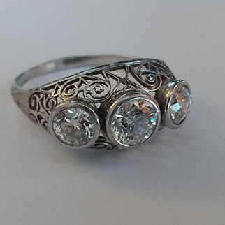 Platinum Deco VVS 2+ ctw Diamond Trilogy Ring