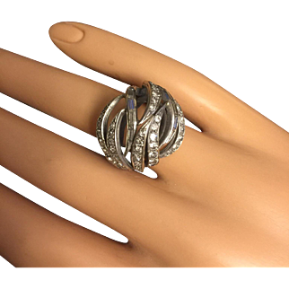 Circa 1960's Vintage Stylish Modernist 14 K Gold Cocktail Ring with Diamonds Size 6