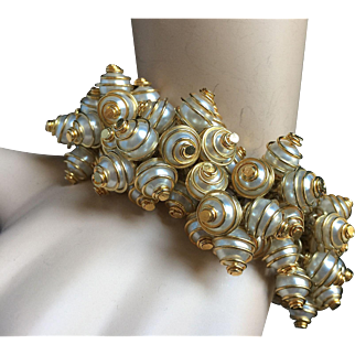 "Opulent 1980's Fancy Rich Caged Pearls Bracelet Gold Tone for Slim Wrist 7.75"" Impeccable Condition"
