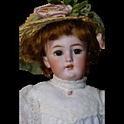 """Sweet 16"""" Simon Halbig 1159  with Lady Body"""