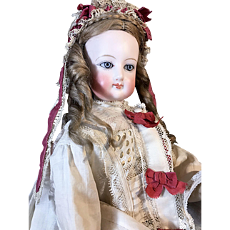 18 inch French Fashion Poupée on Deluxe Wood Body