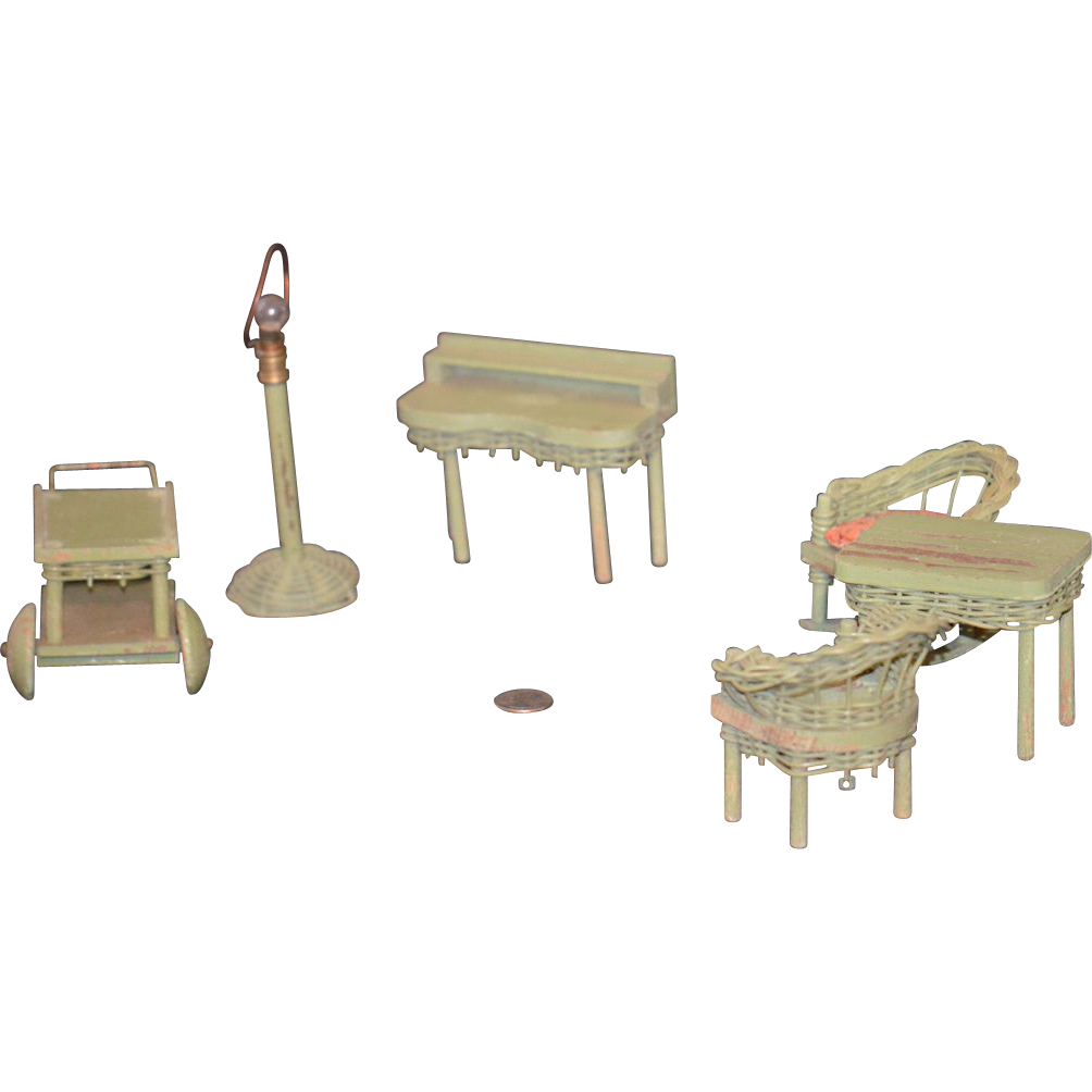 Old Miniature Wicker Wood Dollhouse Furniture Doll Lamp