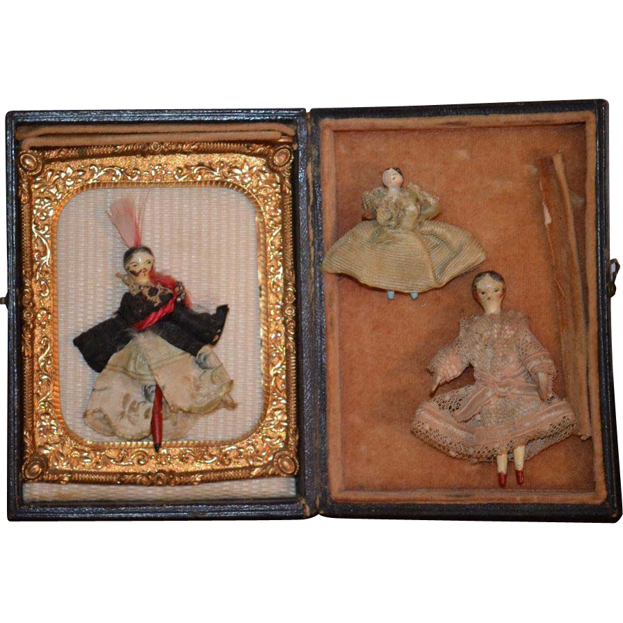 Antique Doll Set Grodnertal Dolls Miniature Dressed Queen