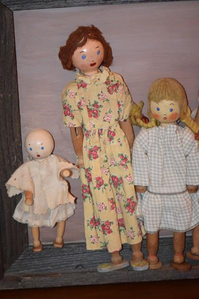 Old Doll Set Schoenhut The Pinn Family Framed Wood Dolls