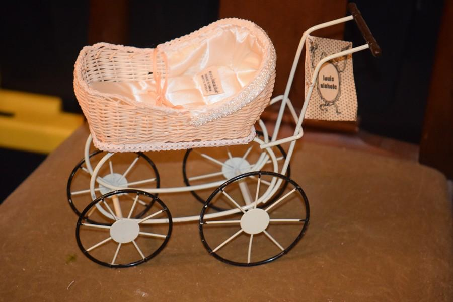 Vintage Louis Nichole Doll Pram Carriage Buggy Fashion