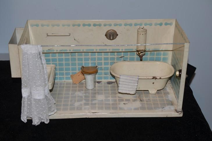 Vintage Toy Potty : Antique doll miniature bathroom tin dollhouse tub sink