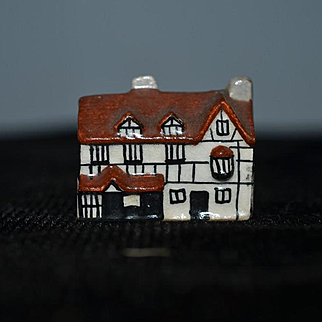 Old Doll Miniature Staffordshire Cottage House Dollhouse